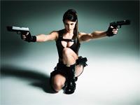 Alison Carroll als Lara Croft