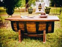 Tisch aus Holzfass